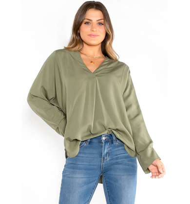 MANCHESTER OVERSIZED OLIVE TOP