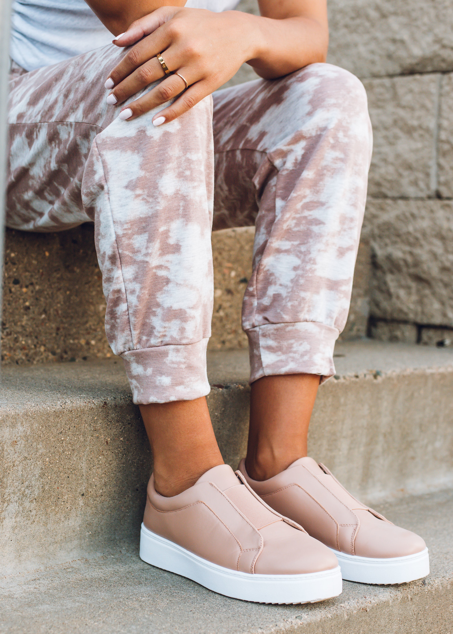 SIDEWALK PLATFORM SNEAKERS -BLUSH