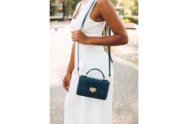 LUXURIOUS NAVY CROSSBODY