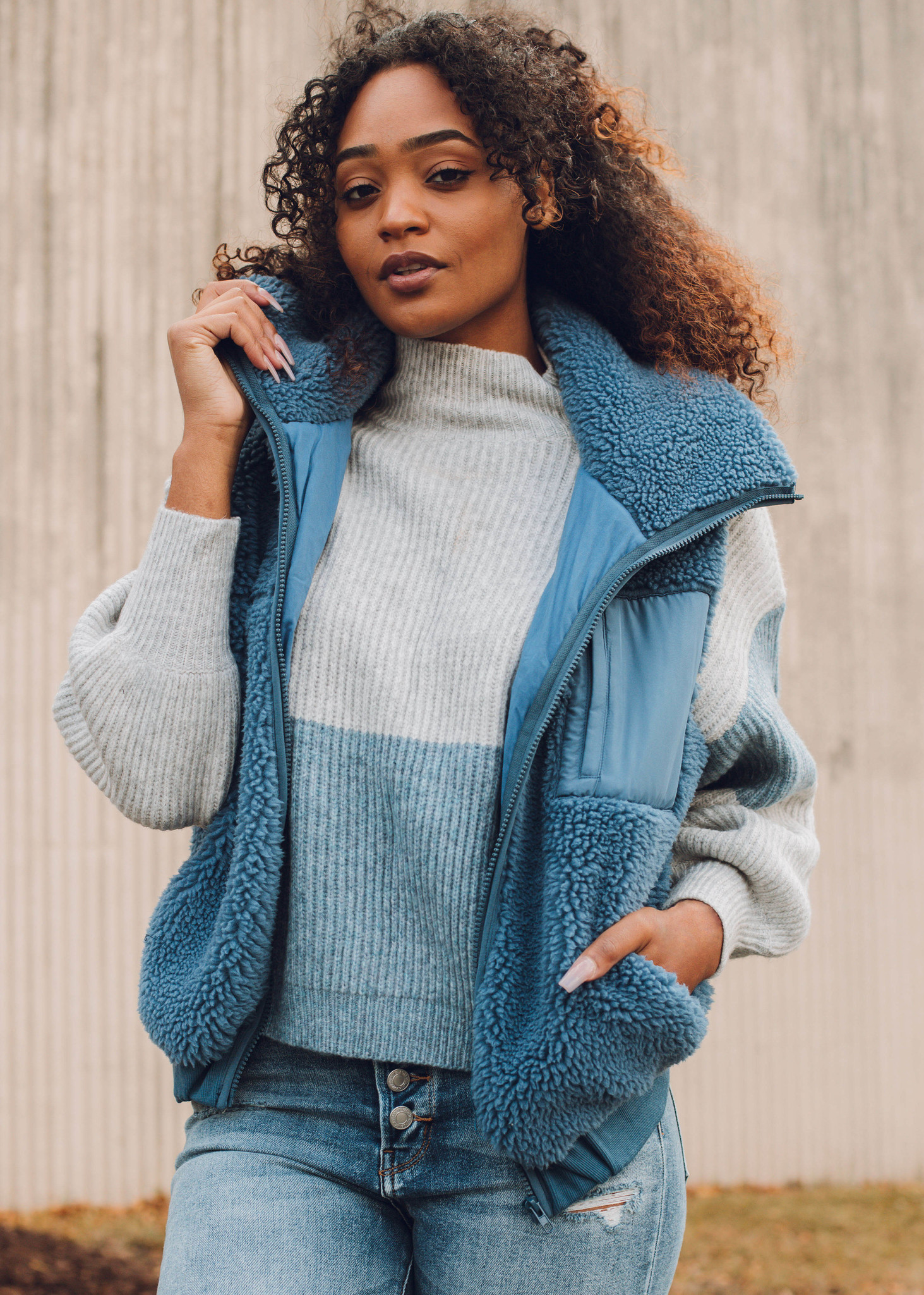 TUNDRA COLOR BLOCK SWEATER