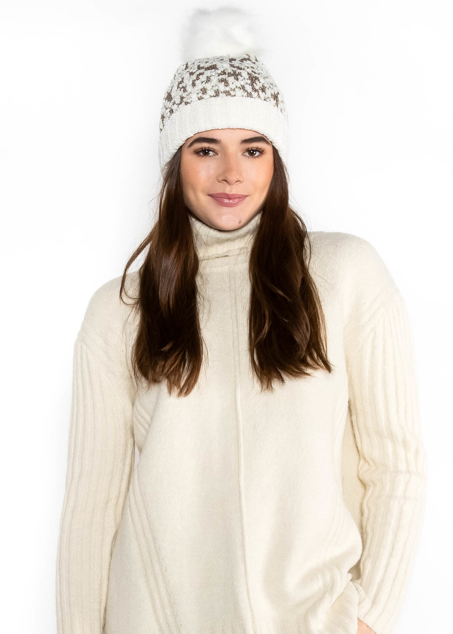 SHADES OF WINTER POM HAT - WHITE