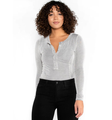 SIDE NOTE RIBBED HENLEY TOP