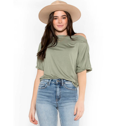 FAVORITE TRADITION TOP - OLIVE
