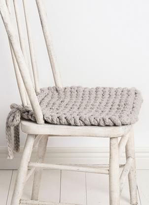 Image of Woolstok Jumbo Craft-Along, Friday, February 15; 9:00- 11:00 AM