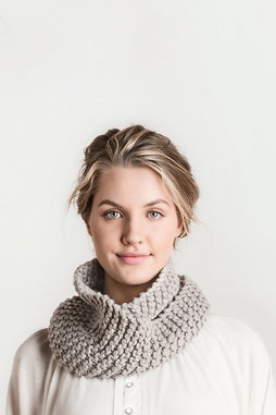 Image of Blue Sky Fibers Crystal Cowl Kit