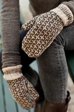 Image of Brooklyn Tweed Burnham Mittens Kit