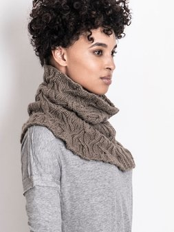 Image of Clarissa Cabled Cowl