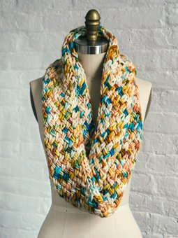Image of Golden Touch Cowl