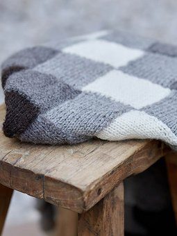 Image of Checker Board Trellis Blanket