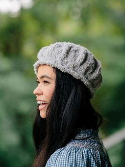Image of Le Slouch Cable Beret & Scarf