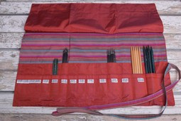 Image of Della Q Double Point Needle Roll 158-1, 4 Red Stripe