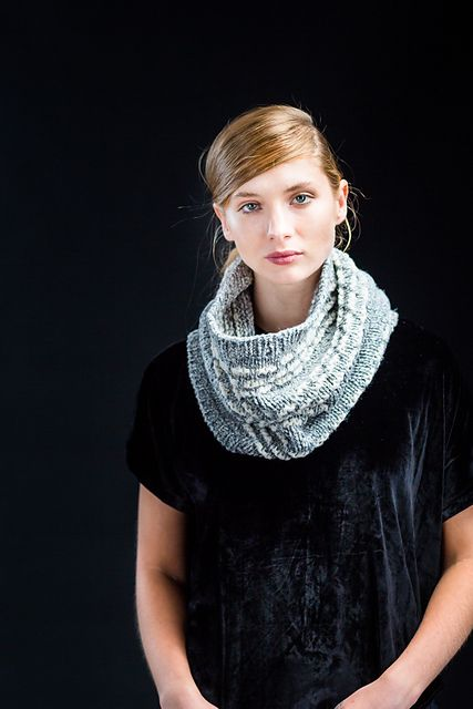 Wool & Co. Feature Pattern of the Week - Mason Cowl