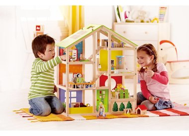 DOLL HOUSES
