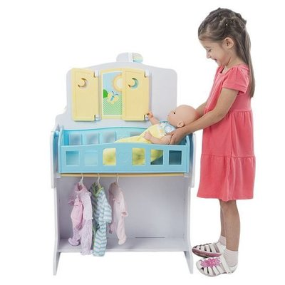 MELISSA AND DOUG BABY  DOLL CARE CENTER