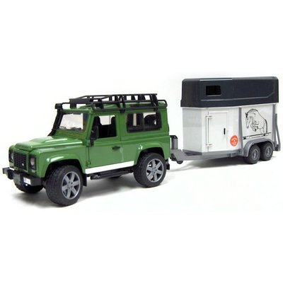 BRUDER TOYS AMERICA LAND ROVER WITH HORSE TRAILER