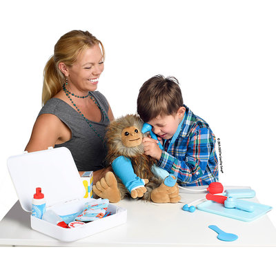MELISSA AND DOUG GET WELL DOCTORS KIT PLAY SET
