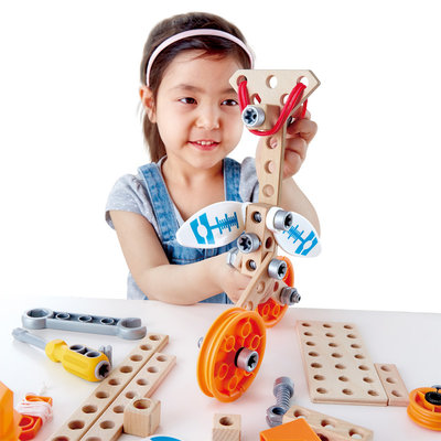 HAPE JUNIOR INVENTOR DELUXE EXPERIMENT KIT