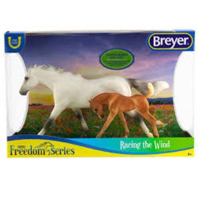 BREYER HORSE & FOAL SET