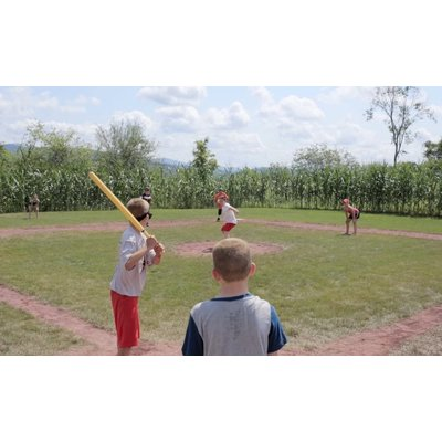WIFFLE WIFFLE BAT AND BALL