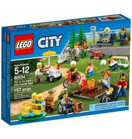 LEGO FUN IN THE PARK PEOPLE PACK**