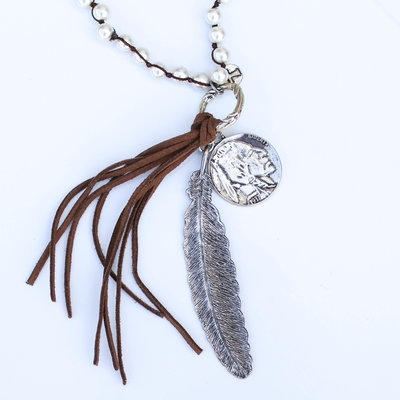 Punchy's Pearl Necklace with Silver Feather, Nickel and Leather