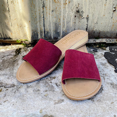 Punchy's Tiki Wine Slide Sandal