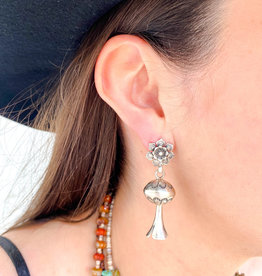 Punchy's Flower Post Blossom Earring