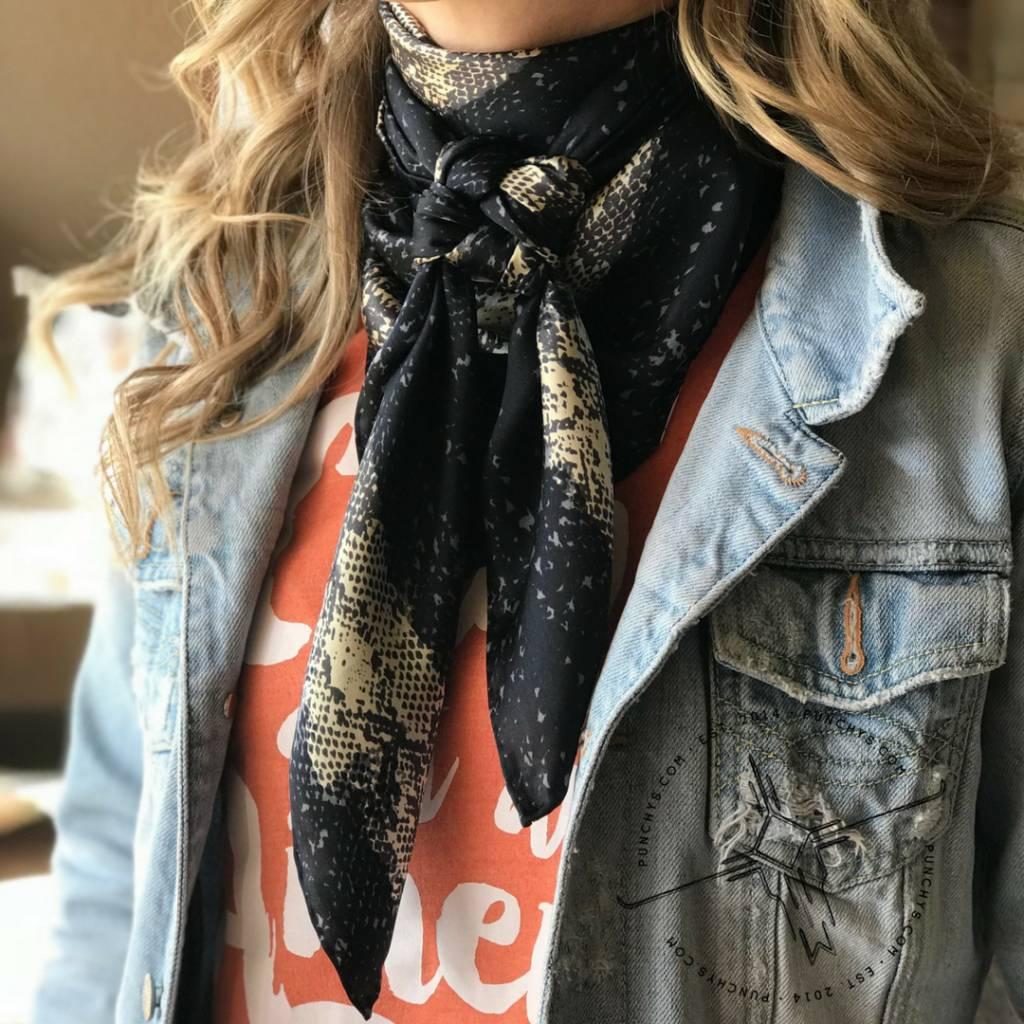 How to Tie a Wild Rag