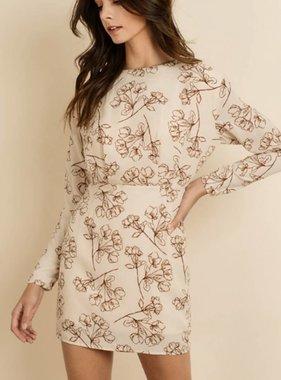 ROMANTIC SETTING DRESS