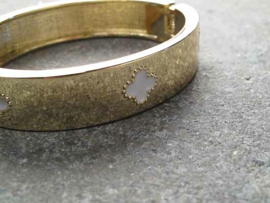 Gold Gold clover bangle