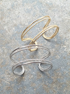 Trend Chain detail cuff