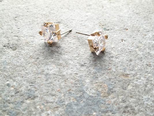 Stud Sqauare embellished crystal studs