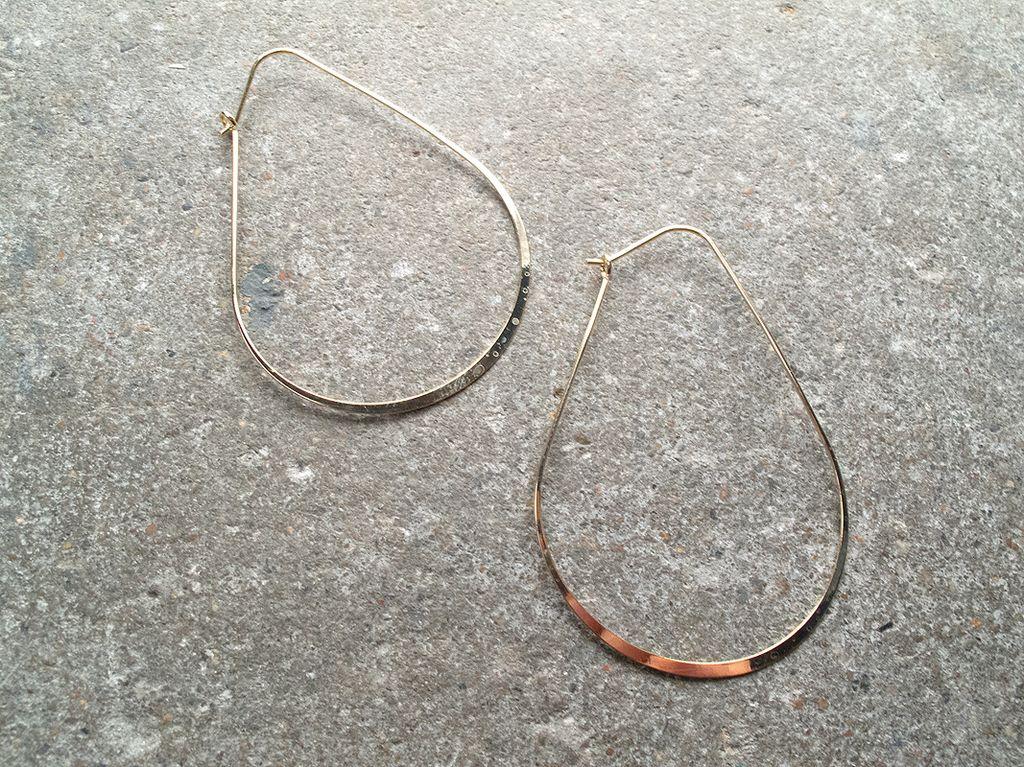 Gold Shiny gold flat oval earrings