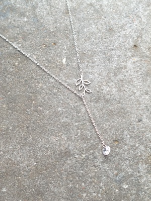 Short Silver leaf Y necklace