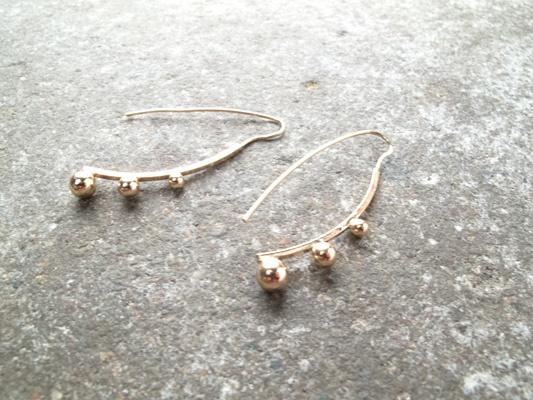 Gold Gold ball hook earrings
