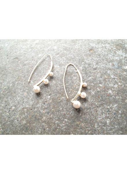 Gold Gold pearl hook earrings