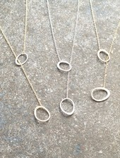 Casual Dainty brushed oval lariats
