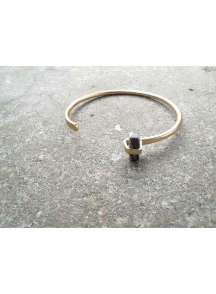 Gold Gold and single stone bangle