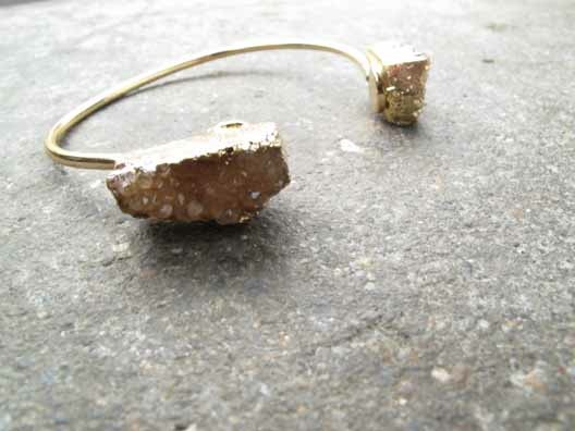 Gold Raw stone bangle