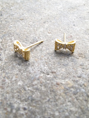 Gold Gold plated bow studs