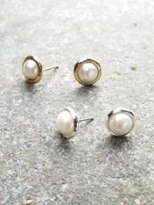 Stud Metal pearl stud *2 COLORS