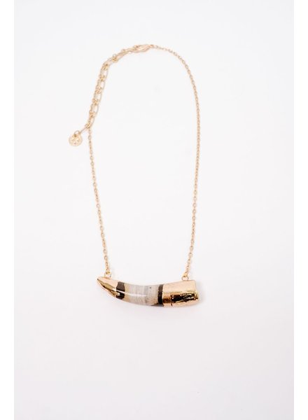 Short Tusk Shaped Pendant Necklace