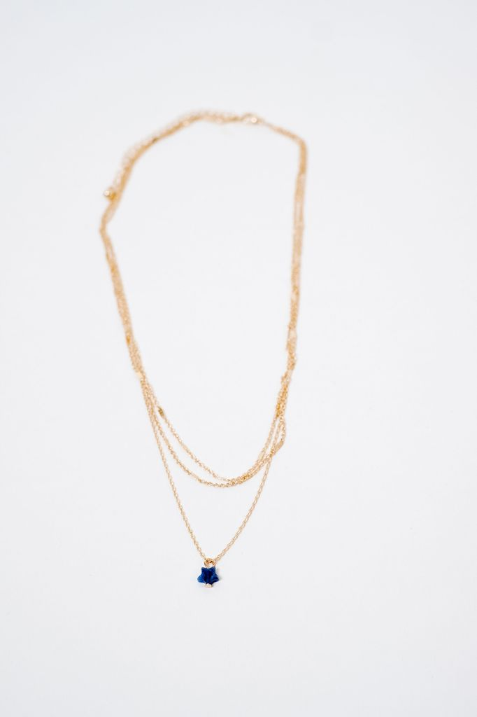 Short Star Charm Necklace