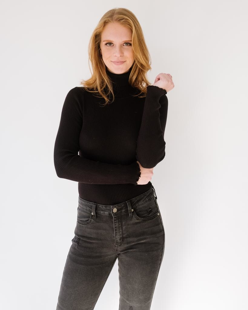 Knit Black Layer Must Have