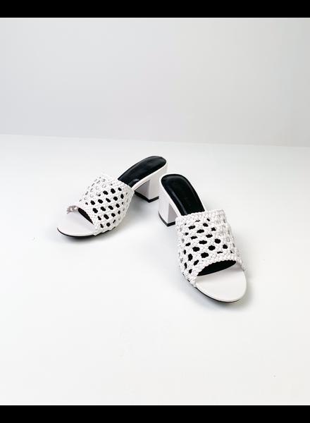 Sandal Wihite Basket Slide