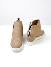 Wedge Never Give Up Sneaker