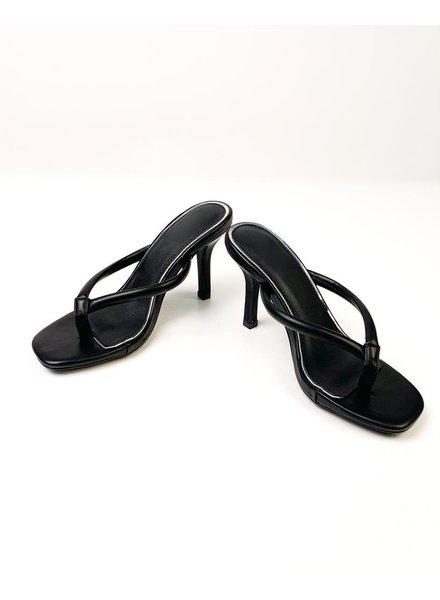 Pump Black Kitten Heel