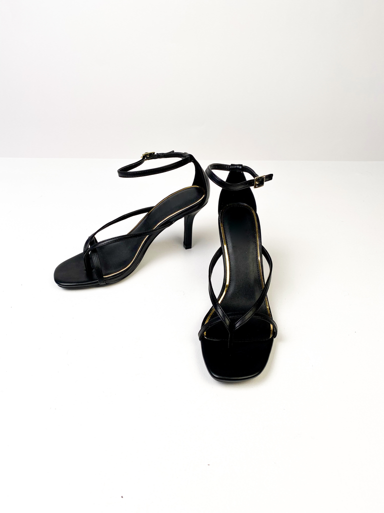 Sandal Strappy Black Thong