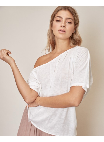 T-shirt Not Your Basic White Tee