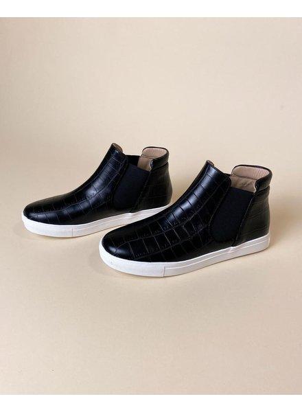 Flat Croc Dirty To Me Sneaker